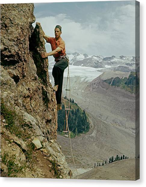 T-902901 Fred Beckey Climbing Canvas Print