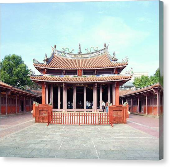 Canvas Print featuring the photograph Tainan Confucian Temple by HweeYen Ong