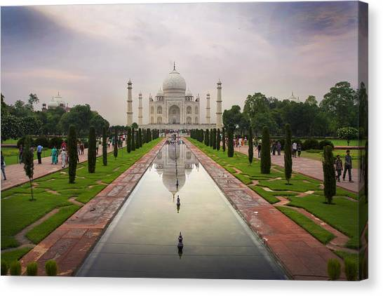 Taj Mahal At Sundown Canvas Print