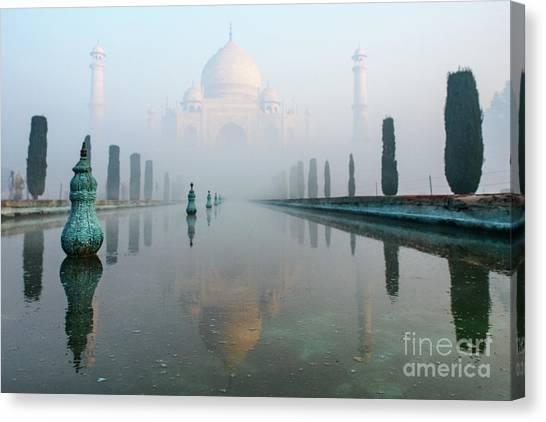 Taj Mahal At Sunrise 01 Canvas Print