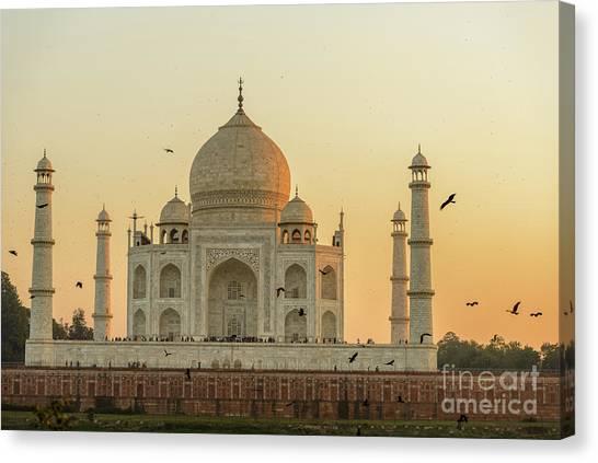 Taj Mahal At Sunset 01 Canvas Print