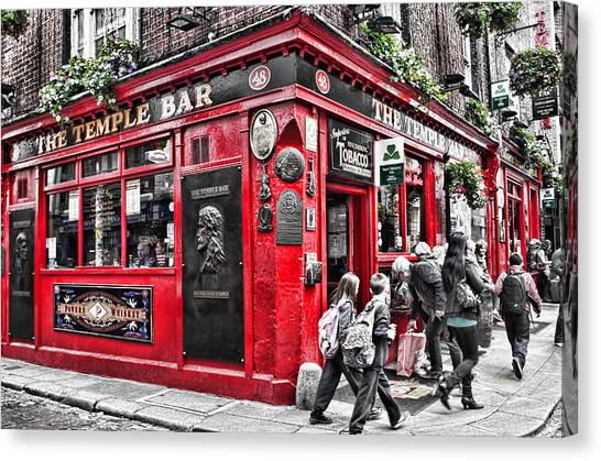 Temple Bar Pub Canvas Print