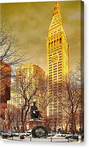 Ten Past Four At Madison Square Park Canvas Print