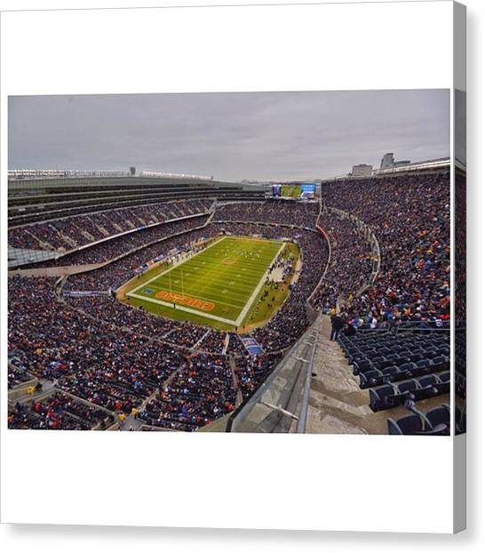 Bears Canvas Print - The Chicago Bears 2015 Season Finale Vs by David Haskett