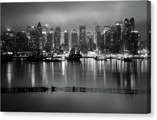 The City That Never Sleeps Canvas Print by Daniel Lih