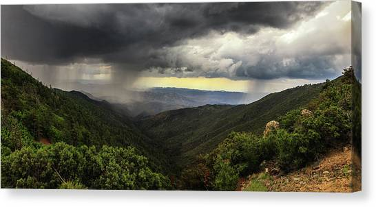 Canvas Print featuring the photograph The Coming Storm by Rick Furmanek