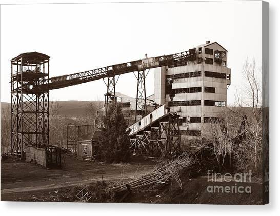 The Dorrance Coal Breaker Wilkes Barre Pennsylvania 1983 Canvas Print