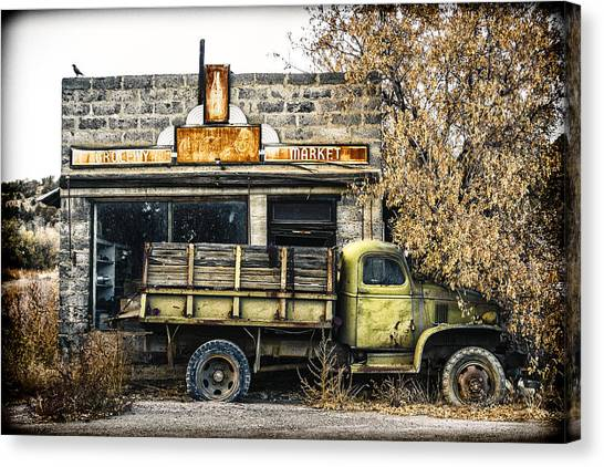 Grocery Store Canvas Print - The Green Truck Grocery Market by Humboldt Street