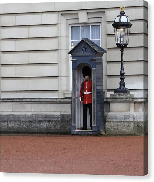 The Guard At Buckingham Palace Canvas Print