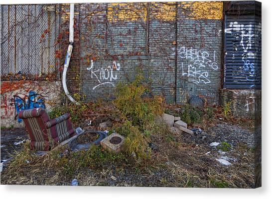 The Hipsters Patio Wiiliamsburg Brooklyn Canvas Print by Robert Ullmann