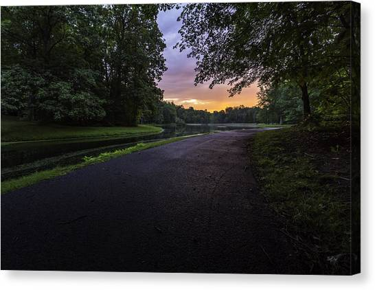 Jogger Canvas Print - The Hues Of Daybreak by Everet Regal