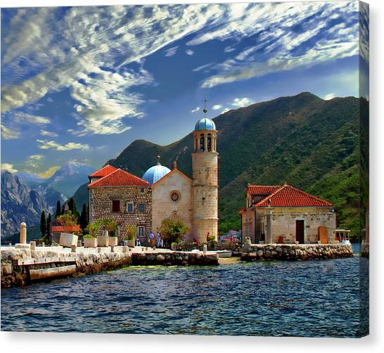 The Lady Of The Rocks Canvas Print