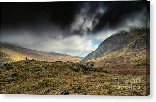 Tryfan Mountain Canvas Print - The Landscape Photographer by Adrian Evans