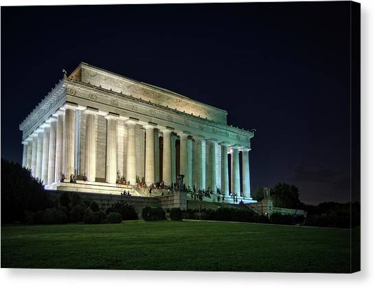 The Lincoln Memorial At Night Canvas Print by Greg Mimbs