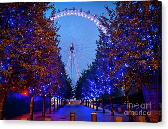 The London Eye At Night Canvas Print by Donald Davis