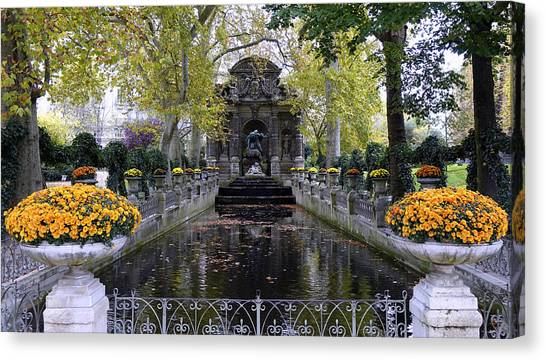 The Medici Fountain At The Jardin Du Luxembourg In Paris France. Canvas Print