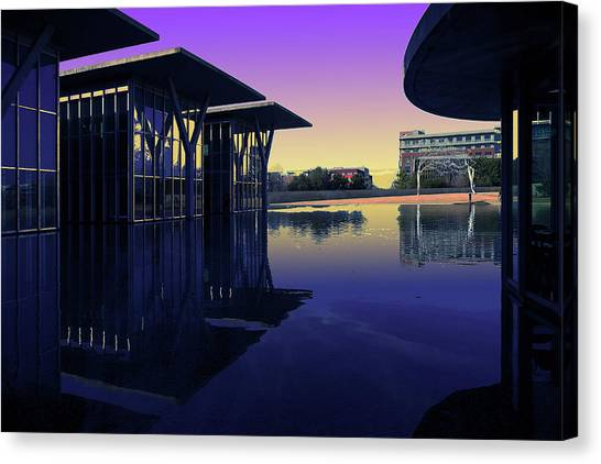 Canvas Print featuring the photograph The Modern, Fort Worth, Tx by Ricardo J Ruiz de Porras