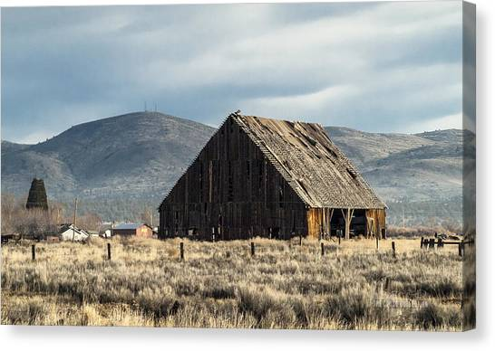 The Old Barn At The Edge Of Town Canvas Print