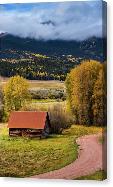 Canvas Print featuring the photograph The Old Barn On Ohio Pass by John De Bord