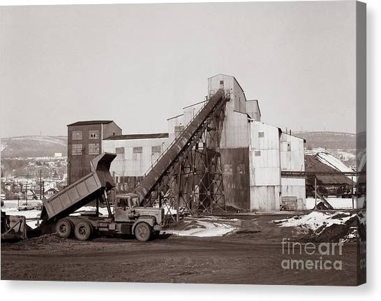The Olyphant Pennsylvania Coal Breaker 1971 Canvas Print