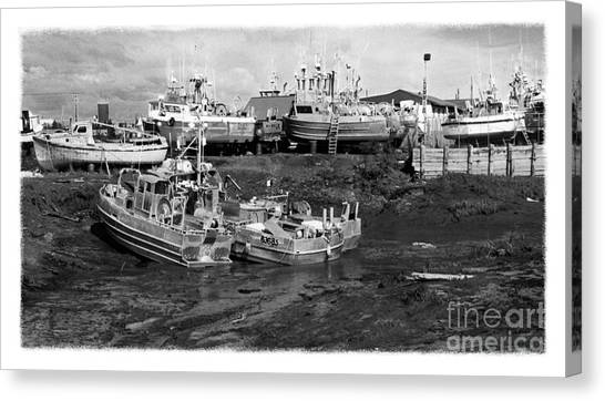 The Real Alaska - Caught At Low Tide Canvas Print