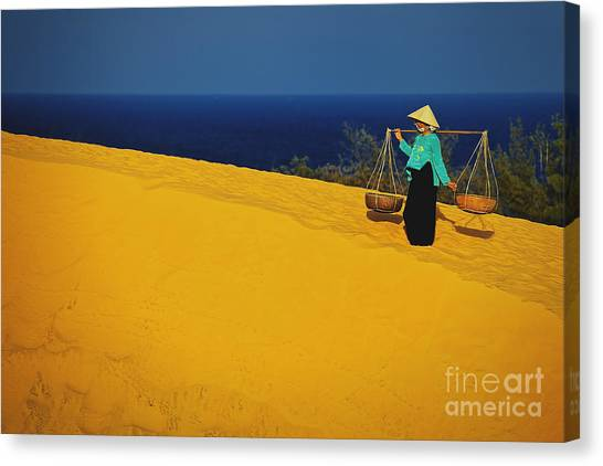 The Red San Dunes Of Mui Ne Vietnam Canvas Print