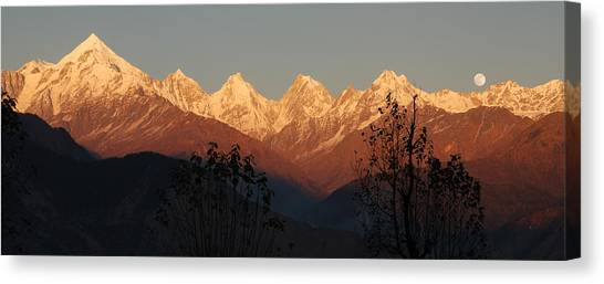 The Rendezvous. A Panorama. Canvas Print