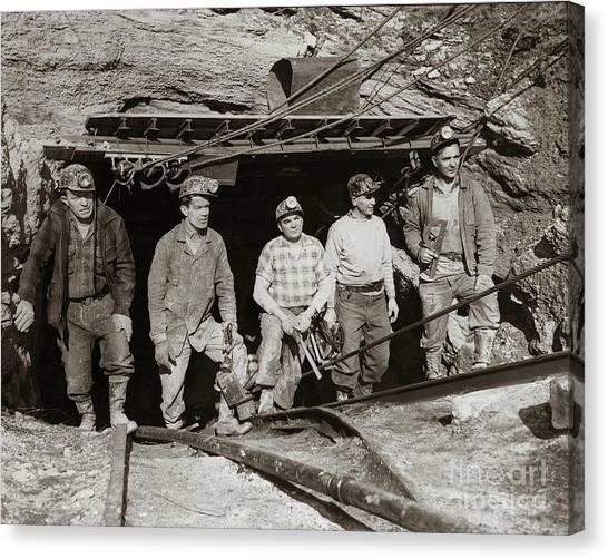 The Search And Retrieval Team After The Knox Mine Disaster Port Griffith Pa 1959 At Mine Entrance Canvas Print