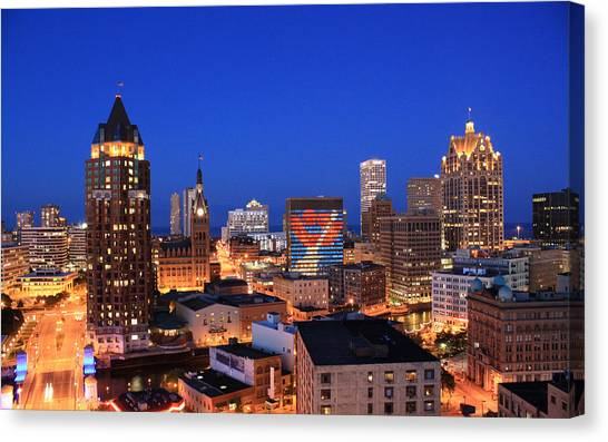 Milwaukee Canvas Print - The Smile That Rocks 2 by Geoff Strehlow