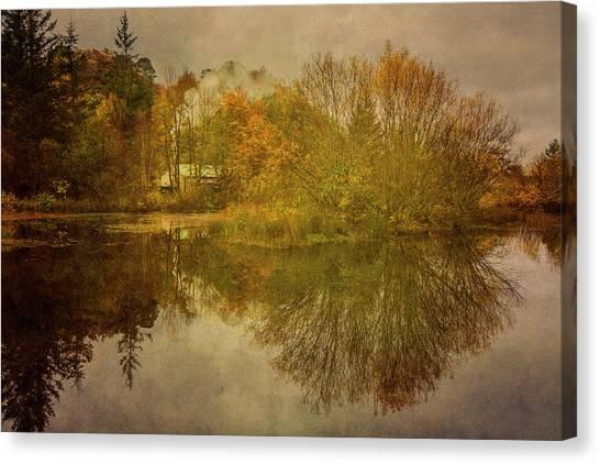 Smokehouses Canvas Print - The Smokehouse In Autumn by Derek Beattie