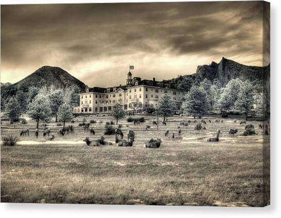 The Stanley With Elk Ir Canvas Print by G Wigler