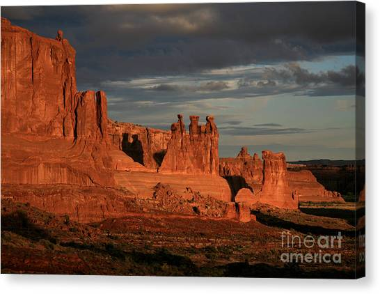 The Three Gossips And Sheeprock Canvas Print