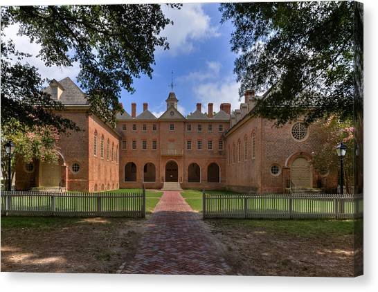 The Wren Building At William And Mary Canvas Print
