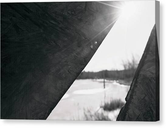 Canvas Print featuring the photograph Through A Bird Blind by Sue Collura