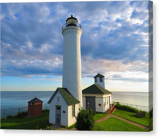 Tibbetts Point Lighthouse In June Canvas Print