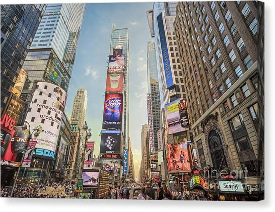 Canvas Print featuring the photograph Times Square Hustle by Ray Warren
