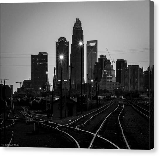 To The Queen City Canvas Print