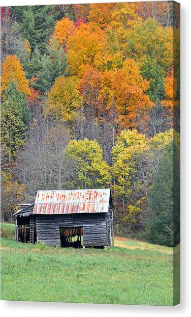 Tobacco Barn Canvas Print by Alan Lenk