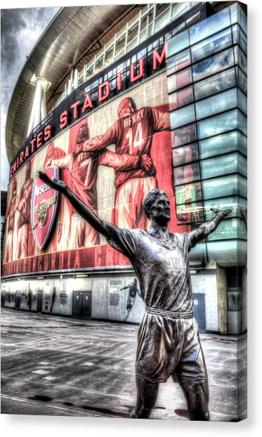 Arsenal Fc Canvas Print - Tony Adams Statue Emirates Stadium by David Pyatt
