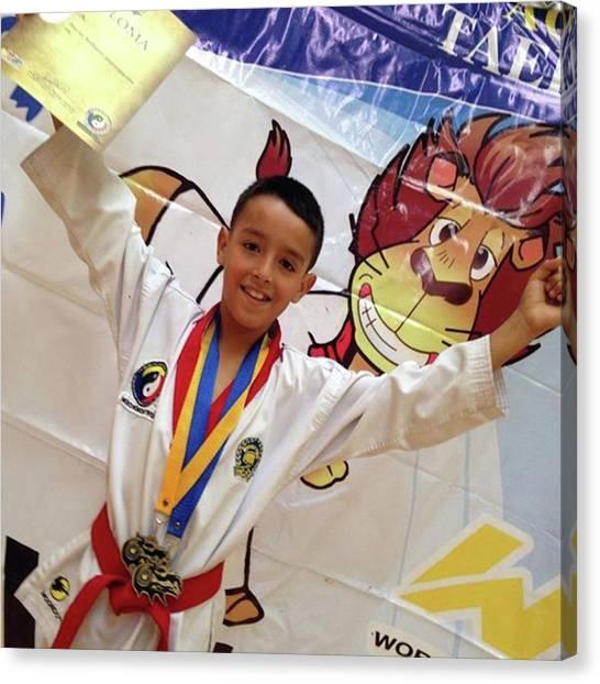 Taekwondo Canvas Print - #toño #campeon #moodukkwan #moonmoowon by Abraham Sorkin