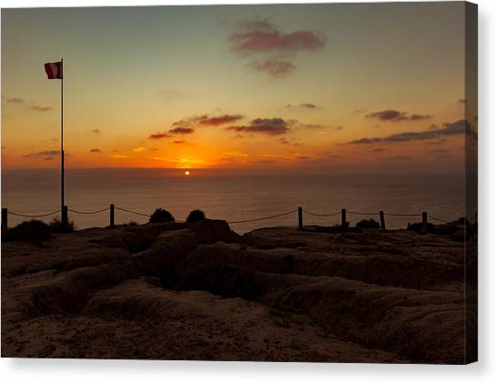 Canvas Print featuring the photograph Torrey Pine Glider Port Sunset by Jeremy McKay