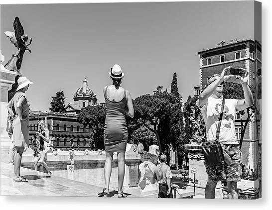 Tourists In Rome Canvas Print by Ute Herzog