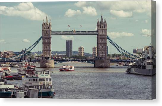 Tower Bridge B Canvas Print