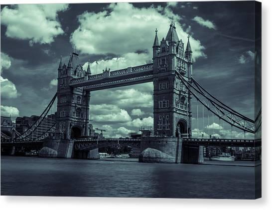Tower Bridge Bw Canvas Print