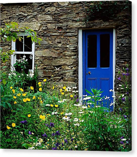 Traditional Cottage, Co Cork Canvas Print