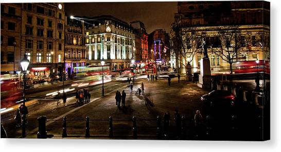 Trafalgar Square Canvas Print by Ken Yan