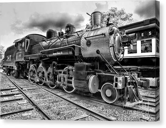 Train - Steam Engine Locomotive 385 In Black And White Canvas Print