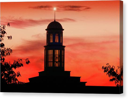 Trible Library Dome At Christopher Newport University Canvas Print