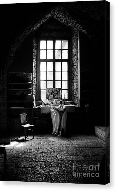 Tridentine Mass In An Ancient Chapel In The Old Dominican Monastery In Tallinn Canvas Print