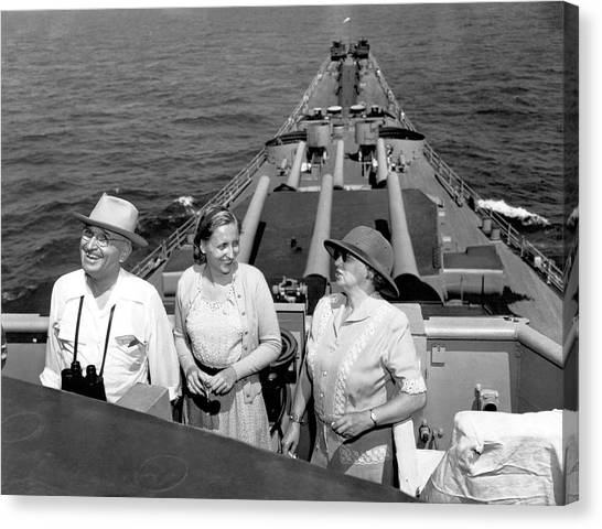Harry Truman Canvas Print - Truman Family At Sea by Underwood Archives